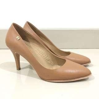 OBERMAIN High Heels Branded Warna Coklat Tan Cocok untuk Kantor Size 40