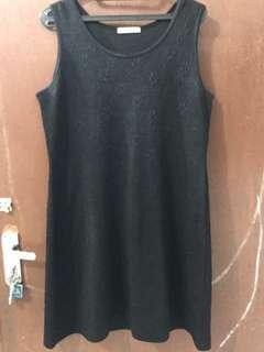 Dress Simpel Hitam