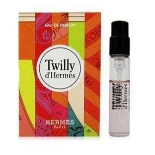 🚚 限量 HERMES 愛馬仕 Twilly d'Hermes 絲巾女性淡香精 2ml(試管小香) 2支/組