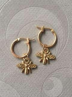 Gold Hoop Bee Earring