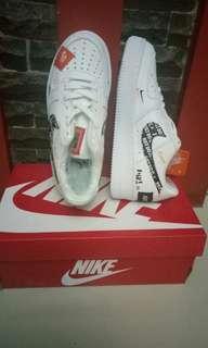 Sepatu Nikei