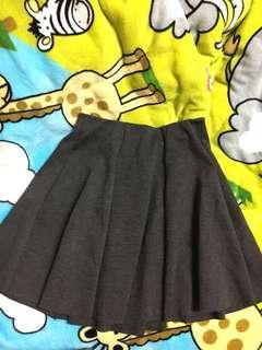 🚚 Zara basic顯瘦彈性傘狀短裙