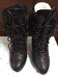🚚 KAZANA短靴高跟鞋(黑色)