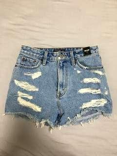 """Abercrombie and Fitch """"ANNIE"""" High Rise Short"""