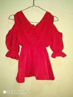 Red Blouse ((geser))