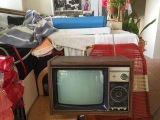 🚚 retro mitsubishi tv - not working set