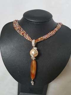 🚚 Faceted semi precious stones necklace with agate and crystal pearl pendant