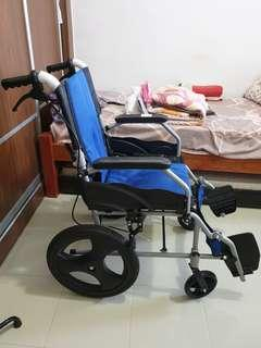🚚 Wheelchair used