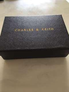 🚚 Charles & Keith empty box