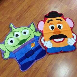 [預訂]迪士尼 地毯 薯蛋頭先生 三眼仔