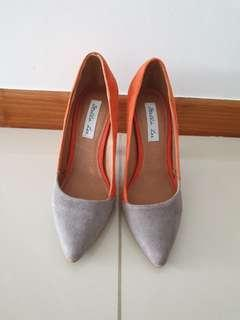 Suede orange amd grey heels #dressforsuccess30