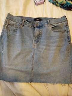 Sportsgirl denim skirt size 14