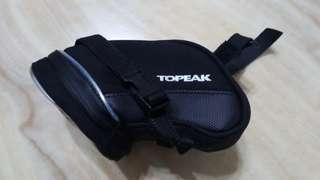 🚚 Topeak 警示光條 織帶固定 扣帶式 坐墊袋 夜光(小)