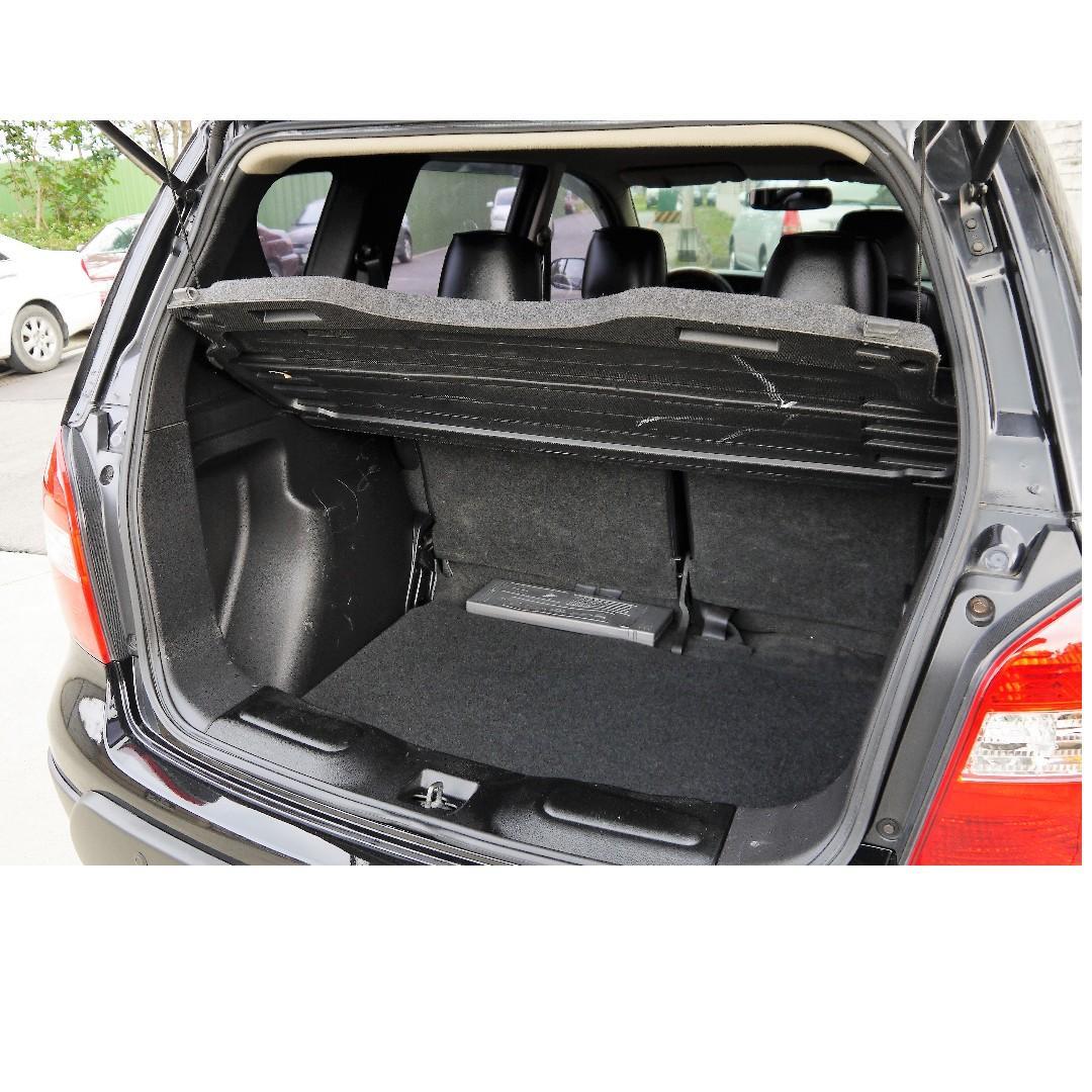 售價12萬6 公里跑十萬2012年 Nissan Livina 實車實照外加前車主是女生愛護車 自手排