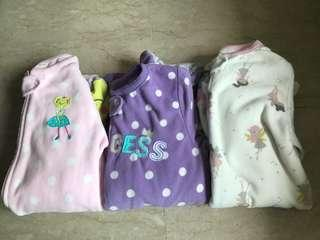 🚚 Authentic super soft and comfy zippered sleepsuits