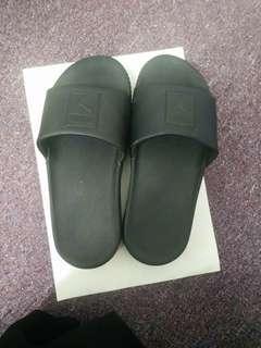 Puma sandal