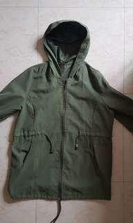 🚚 Army green parka
