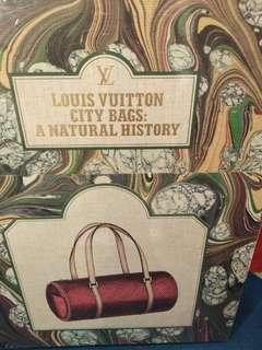🚚 Louis Vuitton :City Bags A Natural History :400pages