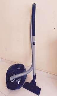 Bosch GL-30 vacuum cleaner