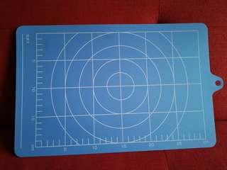 Cutting Board with dimensioning