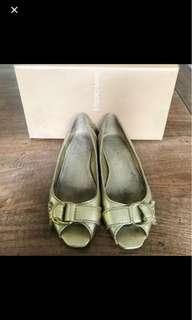 Ninewest gold shoes