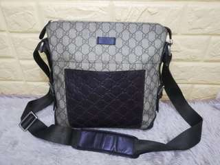 f8ec39a8276 Preloved Authentic GUCCI Sling Bag