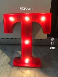 T字母燈牌
