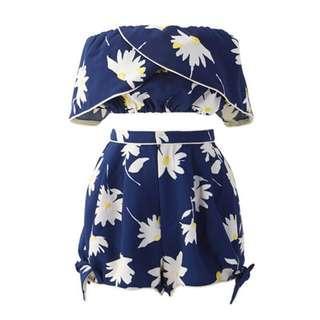 🚚 花卉荷葉邊上衣  綁結花卉短褲