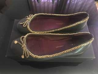 🚚 Ladies Leather Flat shoes