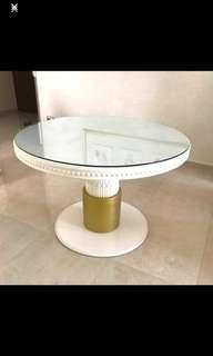 🚚 Victoria Gold and white table with glass TOP