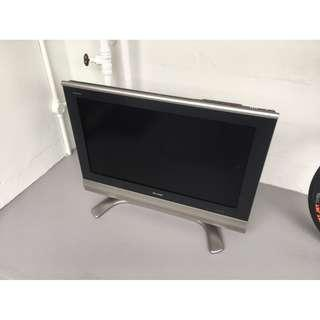 "Sharp LCD HDTV 32"" LC-32AX5M"