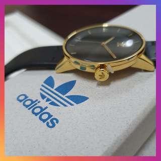 Adidas originals district L1 Watch Gold/Black