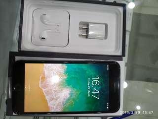 Jual iphone 8 plus 64gb singapore like new😍😍