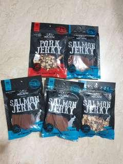 Brand New USA Dog treats ( Pork / Salmon)