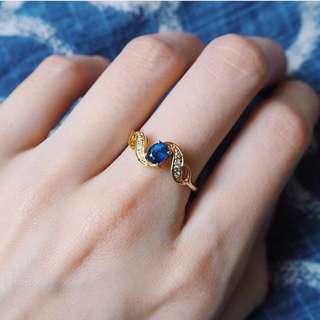 EMBRACE ME SAPPHIRE DIAMOND GOLD RING