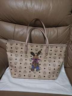 🚚 MCM Tote Bag