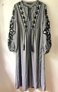 Zara Embroidered Midi Dress #dressforsuccess30