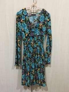 Green dress (flower prints)