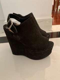 Black tony Bianco platform heels