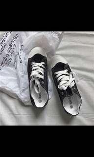 全新小黑鞋