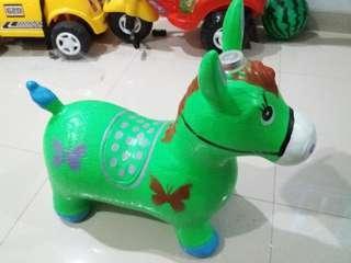 Kuda kudaan / mainan anak