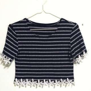 🚚 Stripe Daisy Sleeve Crop