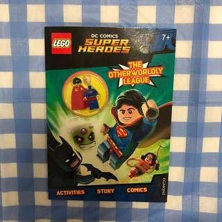 🚚 Dc Comics Lego Super Heroes activities book - with Superman Minifigure