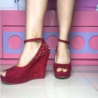 JRep Studded Wedges Merah