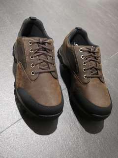 Selling Men Timberland shoe