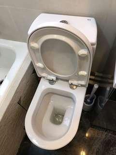 Toilet 厠所 Roca