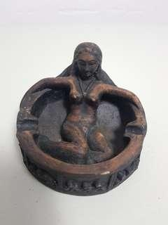 unique wooden ashtray (balinese style)