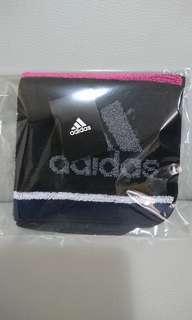 全新 日本製 Adidas 運動毛巾,未剪吊牌,靚厚料,約22cm X 22cm