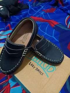 Sepatu anak tamagoo