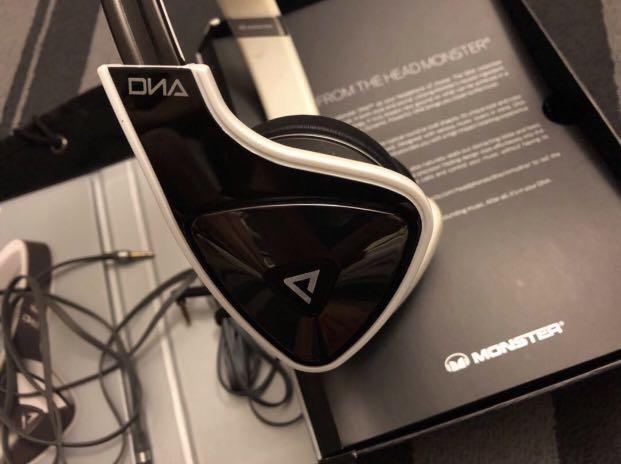 99%new Monster DNA Earphones 耳機
